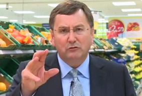 Clarke out as Tesco turns to outsider