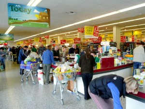 Supermarket mums like threesome