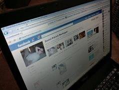 facebook strikes IBM ad deal