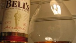 Bell's_Blended_Scotch_Whisky_002